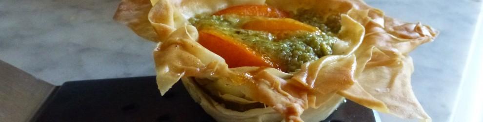 Cestini di pasta fillo con pistacchi e albicocche